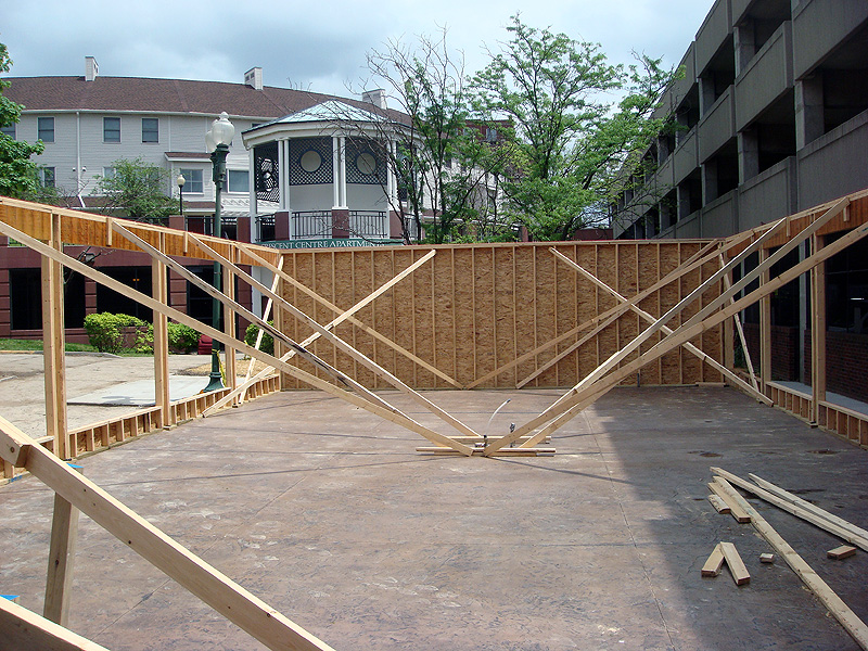 Construction of the bar pavillion behind the building