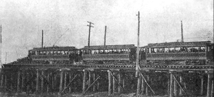 1895 photo from the New Albany Public Library shows the electric train at 24th Street, West Louisville. Feature articles appeared in both the 1895 Electrical Engineer and the Engineering News, technical journals.
