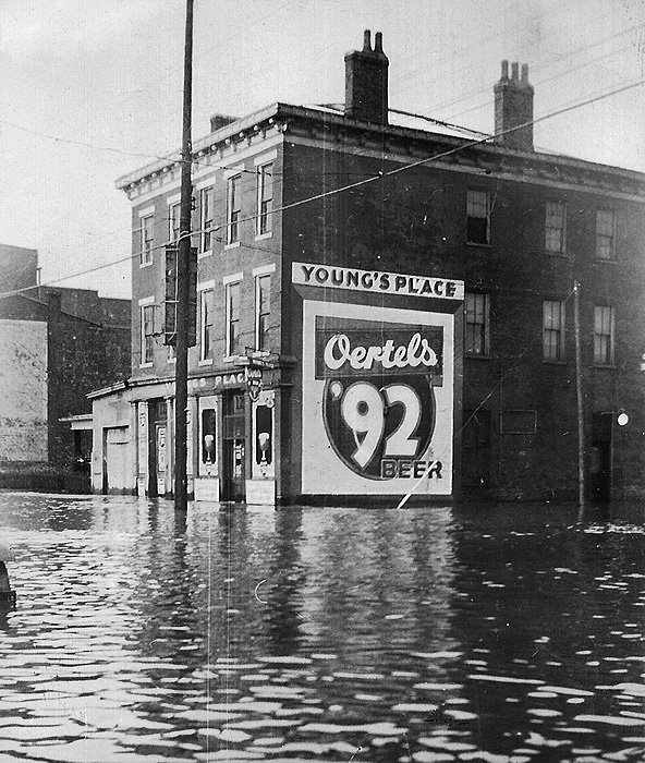Young''s Place at Story Ave. & Cabel Street in 1937 flood (see credit above)