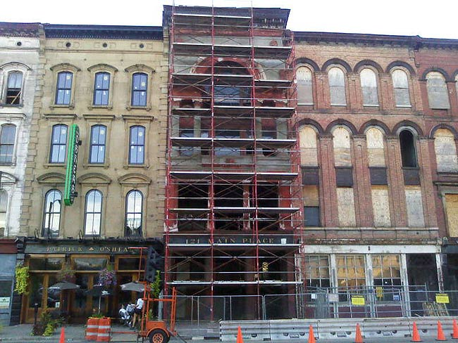 Repair work underway at 121 West Main Street (Photo courtesy tipster)