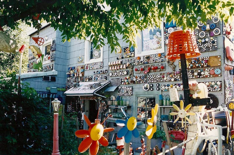 Gus Ballard's Germantown backyard in 1996. (Courtesy Lawrence Harris)