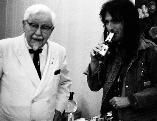 Colonel Sanders & Alice Cooper (Via Retronaut)