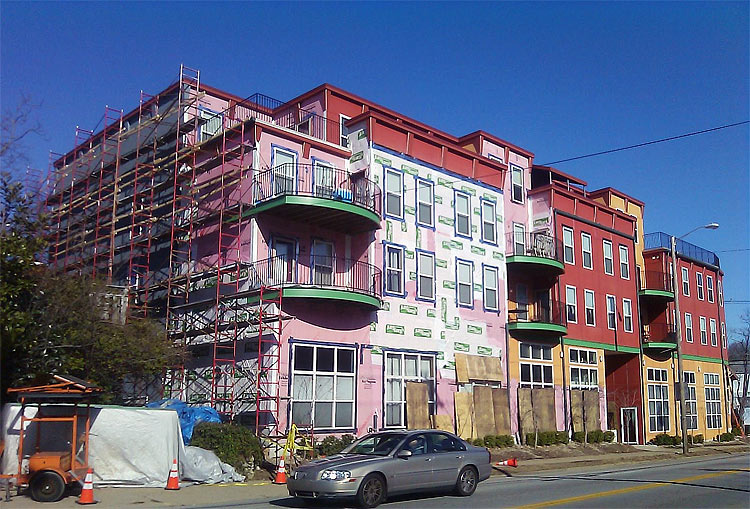 Facade repair work at Cliff View Terrace. (Courtesy Tipster)