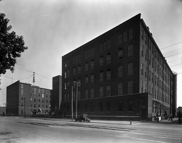 Former tobacco warehouse to be demolished. (Courtesy UL Photo Archives)