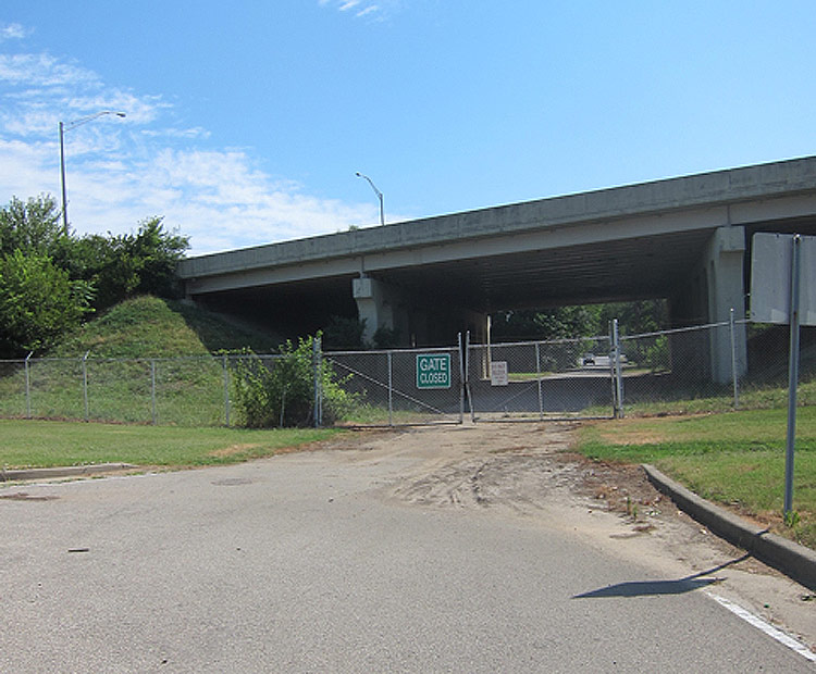 The closed Manning Road entrance to the fairgrounds. (Courtesy Bicycling for Louisville)