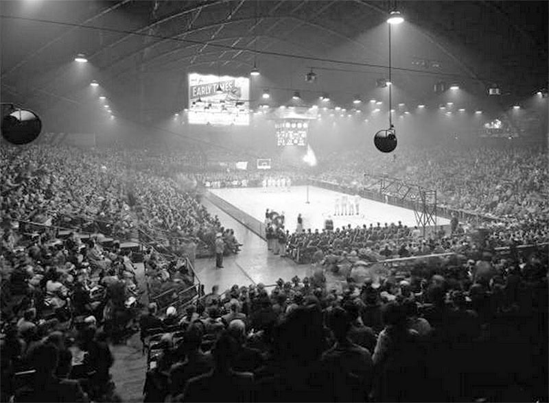 A basketball game at the Louisville armory in 1950. (Courtesy UL Photographic Archives - Reference URL)