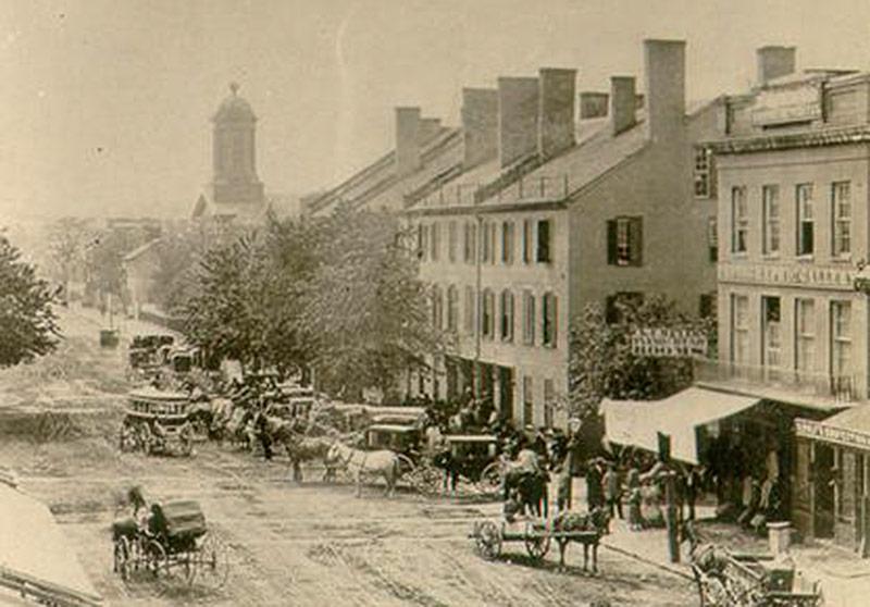 Downtown Lexington in the mid-19th century. (Courtesy KYVL)