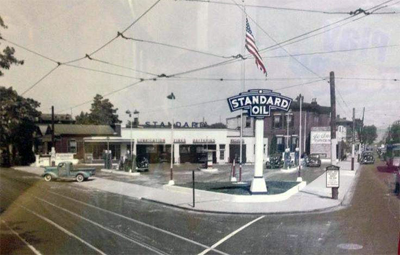 A Standard Oil gas station at the corner of Baxter Avenue and Broadway in the 1930s. (George Knoeller / Facebook)