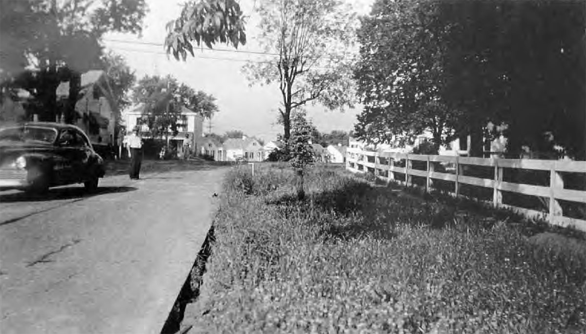 Old Staebler Avenue at Chenoweth Lane facing west, showing Colonial Village circa 1942. (St. Matthews Historical Society / Courtesy KYTC)