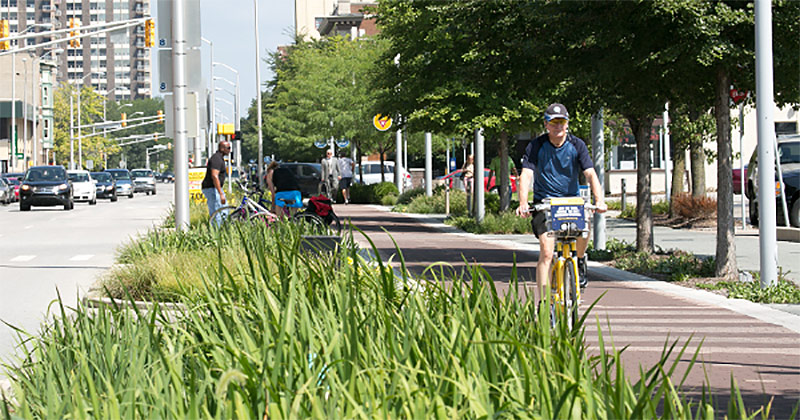 The Indianapolis Cultural Trail, a massively successful reuse of downtown passing lanes. (Courtesy PeopleForBikes)