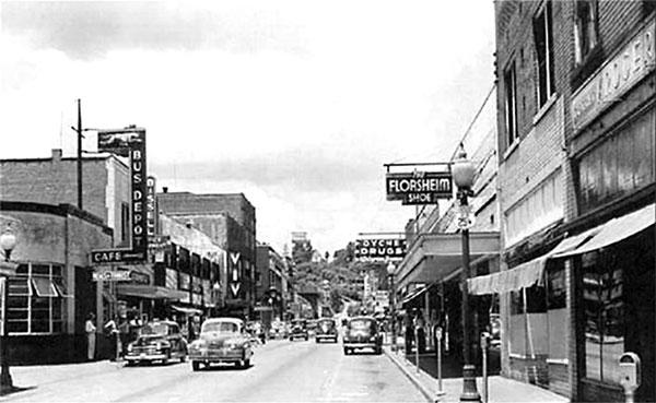 Corbin's Main Street in the 1950s. (Courtesy Cinema Treasures)