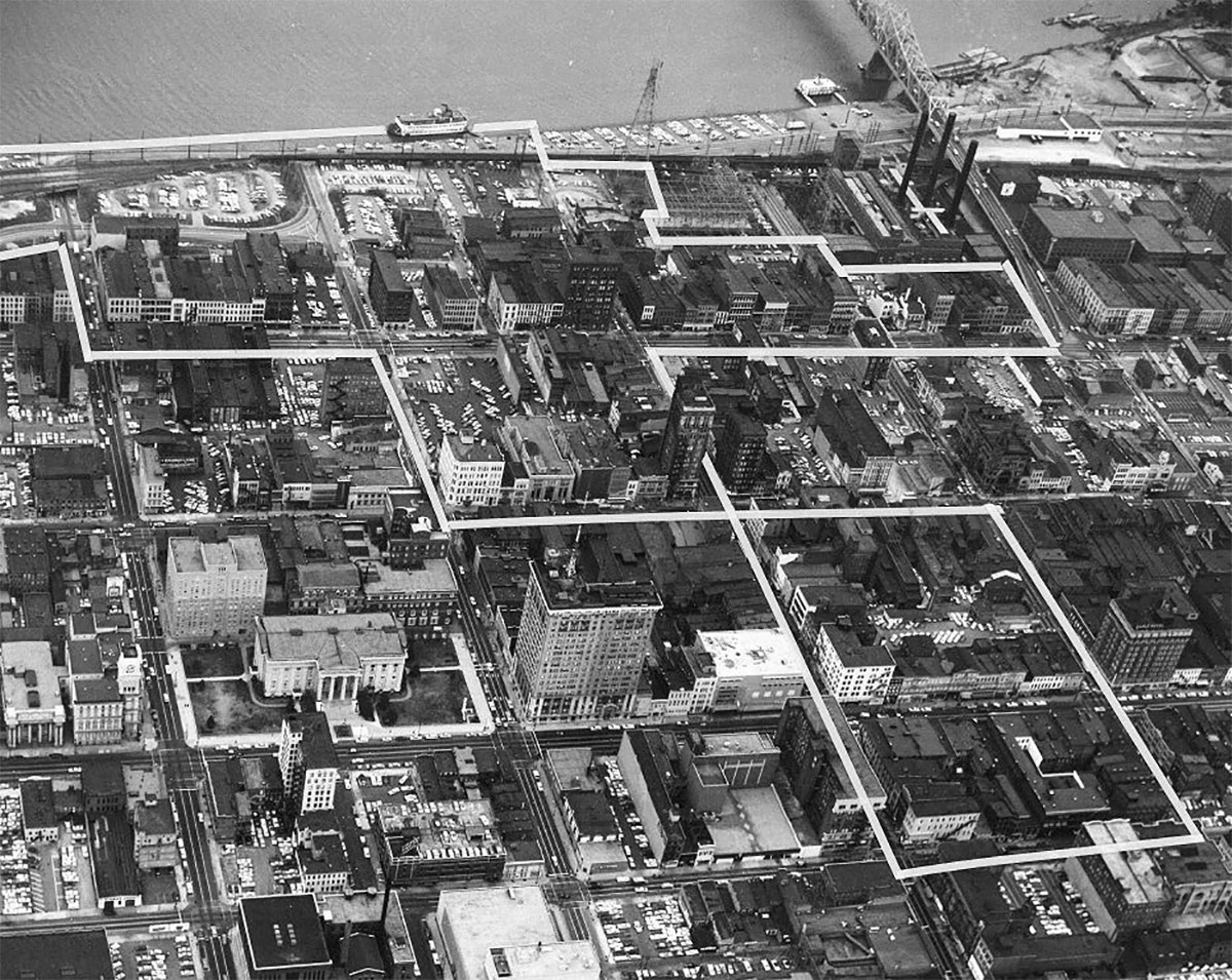 An urban renewal district slated for clearance along Fourth Street and Main Street. (Courtesy Metro Louisville Archives)