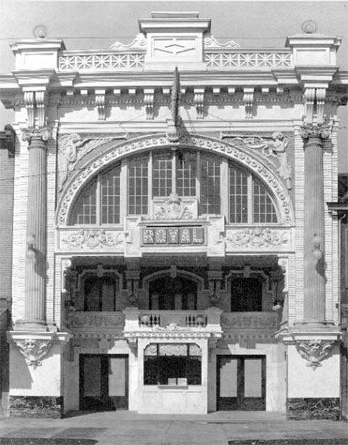 04-louisville-broadway-royal-theater