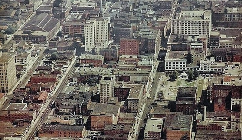 An aerial view of Downtown Louisville showing Lincoln Park. (Brokn Archives)