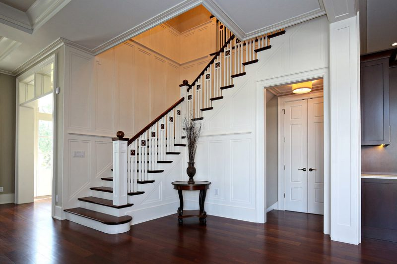 A staircase at the Hacet Residence. (Courtesy Burrus Architecture & Construction)