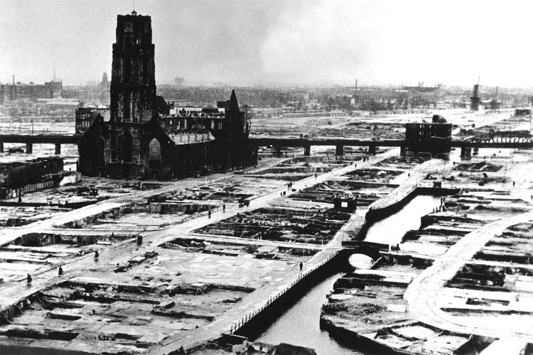 Rotterdam after bombings in World War II. (Wikimedia Commons)